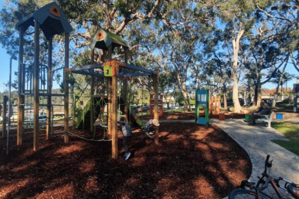 Mansion Point Park playground Grays point