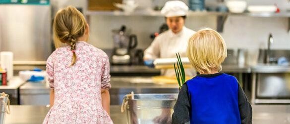 children watching chef