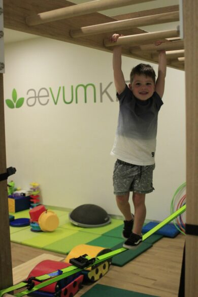Child using physio equipment in Aveum Kids physio clinic in the Sutherland Shire