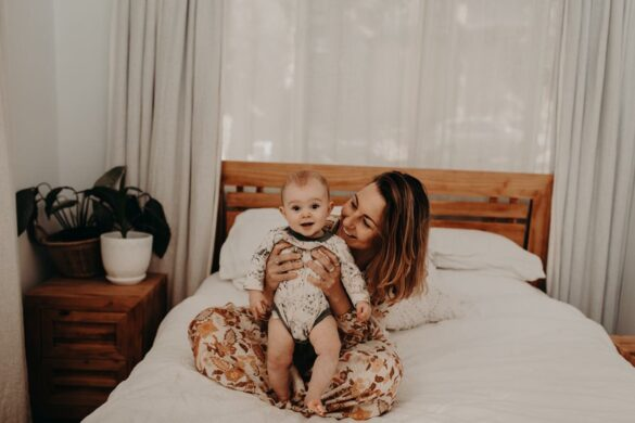 Alana Bayley from Banabae with daughter